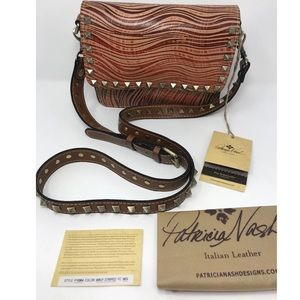 ❇️🎄❇️NWT Patricia Nash Leather Studded Tooled ❇️